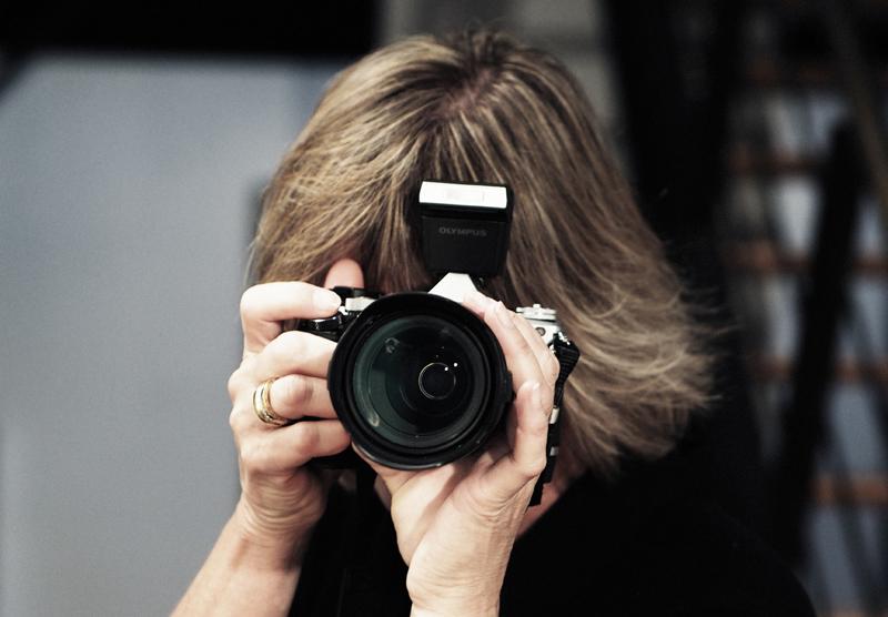 Karin Steinhage mit Olympus Kamera